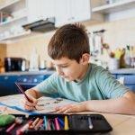 Homeschooling: Welche Ausrüstung brauchen Kinder?